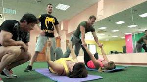 12-domashnyaya-trenirovka-mamyi-s-syinovyami