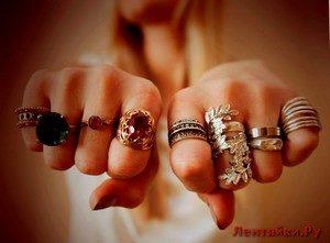 На каком пальце носить кольцо, чтобы привлечь удачу, любовь